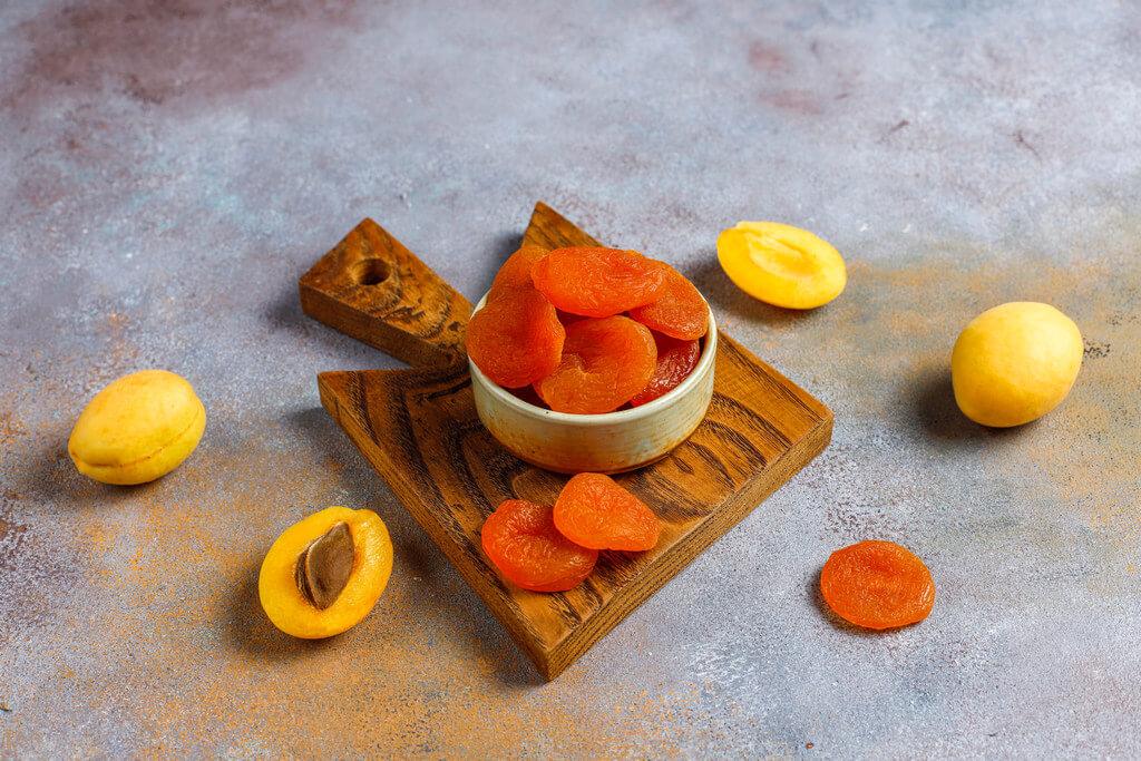 Курага і абрикоси